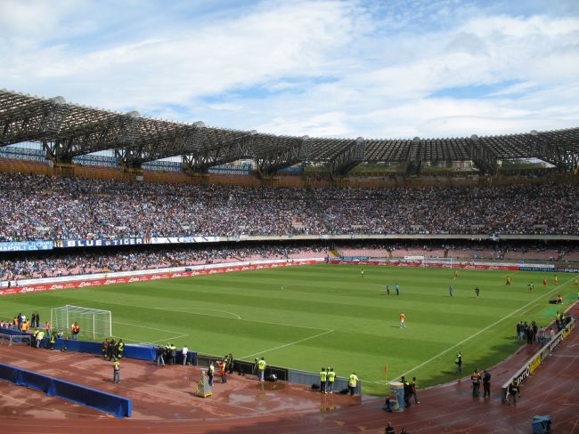Napoli: niente Champions al San Paolo? Rischio alto, indicato un altro stadio